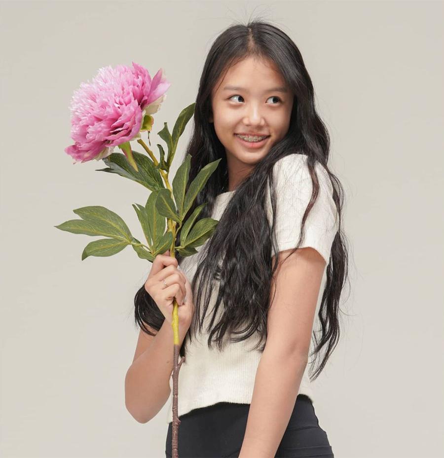 Chosun Online   朝鮮日報-李同国の娘ジェシ、既にモデルのオーラが ...